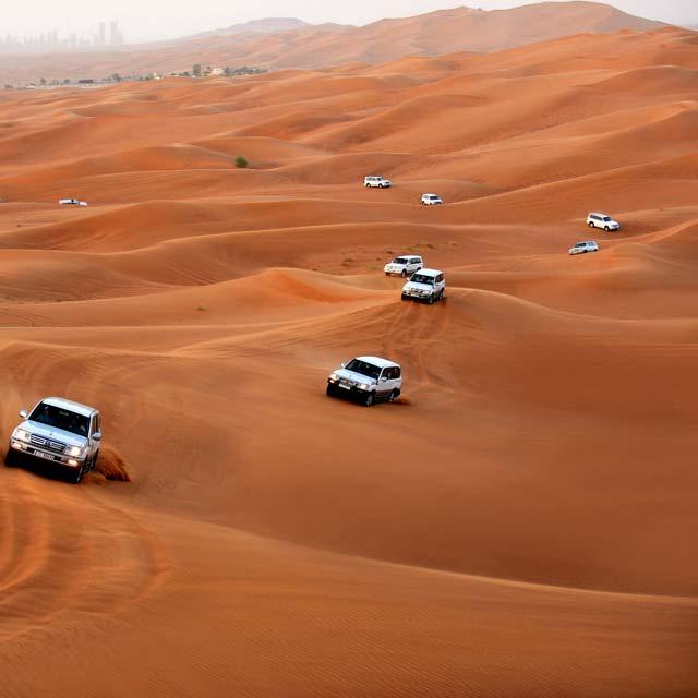 Safari 4X4 dans les dunes à Dubai