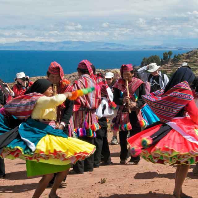 Indios Lac Titicaca, Pérou