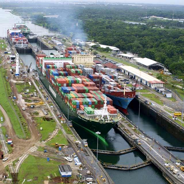 Ecluses de Gatun, Voyage Panama